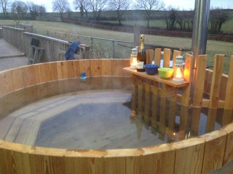 Wood fired hot tub. You can star gaze whilst sitting in the hot tub.