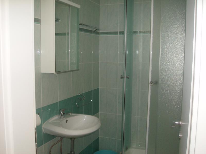 Banheiro apartamento verde