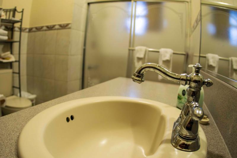 Sea villa bathroom