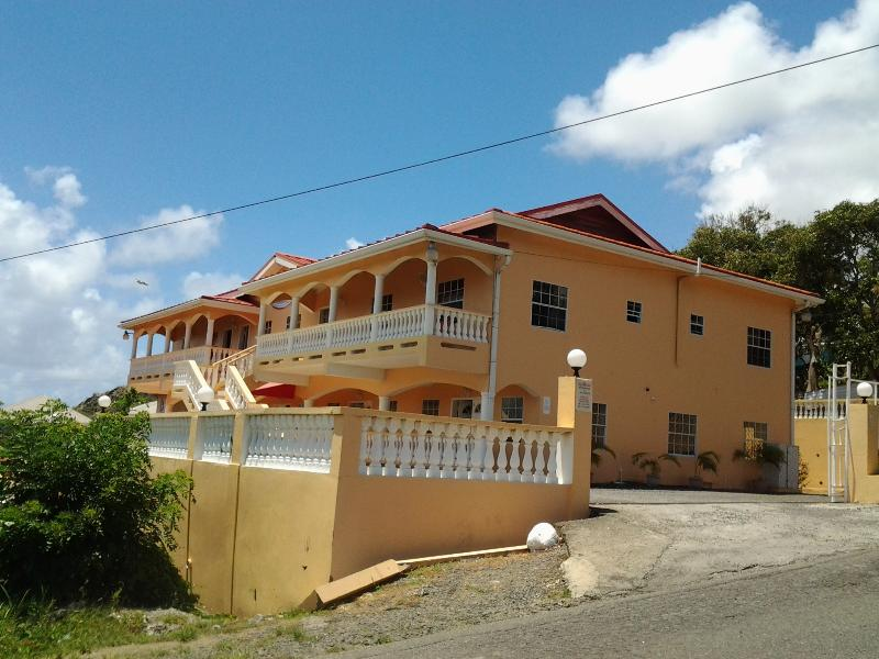 1-bed APT - Aupic Paradise, holiday rental in Vieux Fort