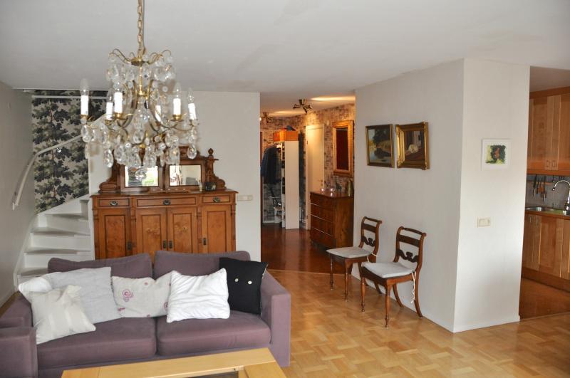 Vardagsrum och kök (livingroom)