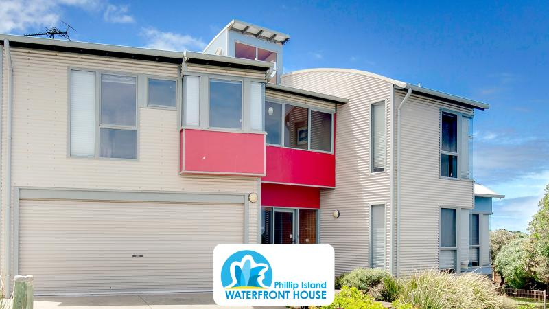Phillip Island Waterfront House has 270 degree Ocean views on the amazing Surf Beach. Free WiFi!
