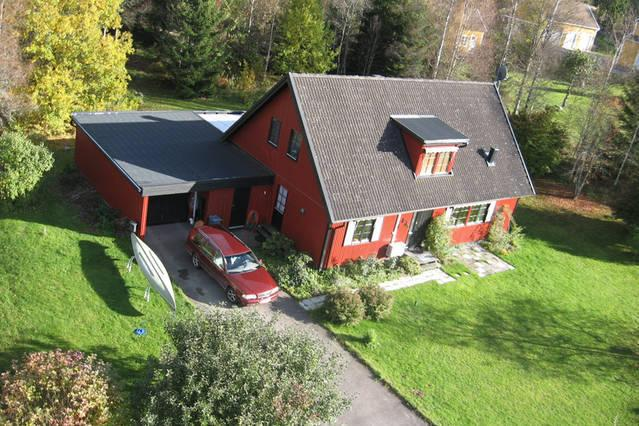 Spacious loft close to Europe's longest zip line, vacation rental in Mickelstorp