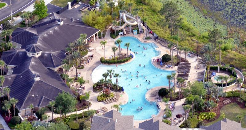 Luftbild des beheizten Pools / Hottub