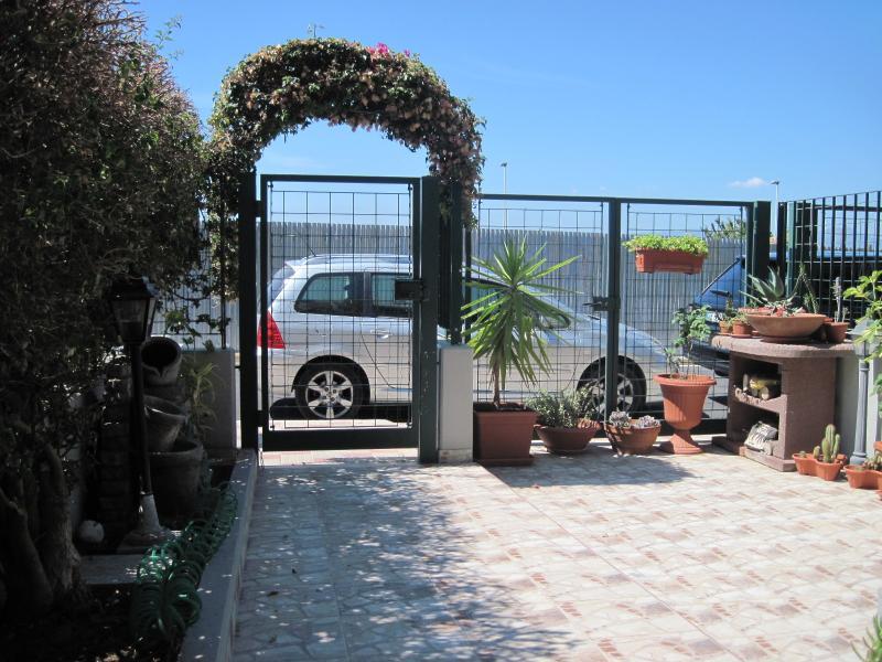 Sweet Sardinia Apartment (9 POSTI LETTO), Ferienwohnung in Elmas