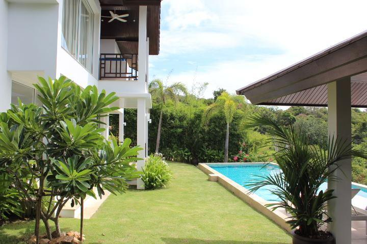 Brand New 3 bedroom villa with lots of garden and large private pool