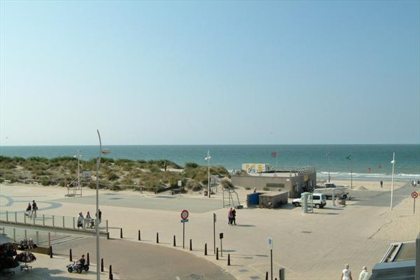 Holiday apartment 7 pers with seaview - Incl private parking, holiday rental in Sint-Idesbald