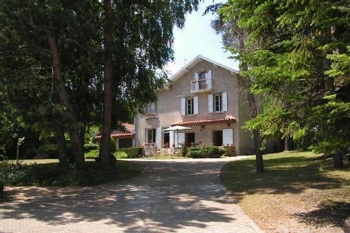 Charming villa near town of Le Puy-en-Velay center, alquiler vacacional en Espaly-Saint-Marcel