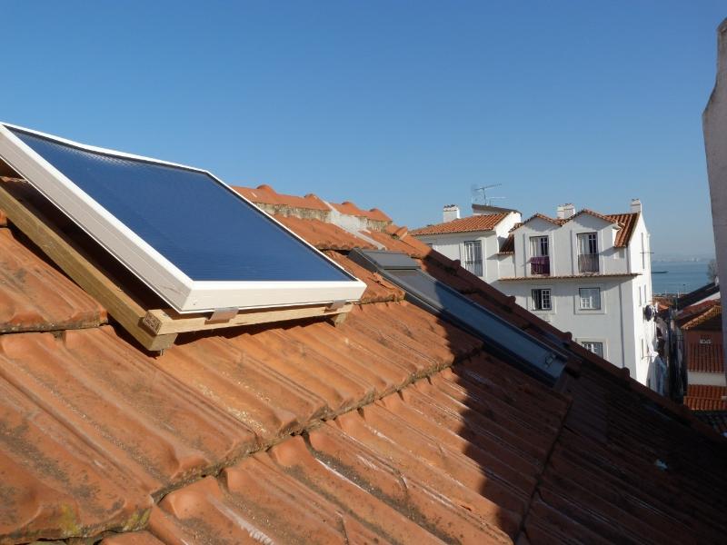 Flat features air solar heating