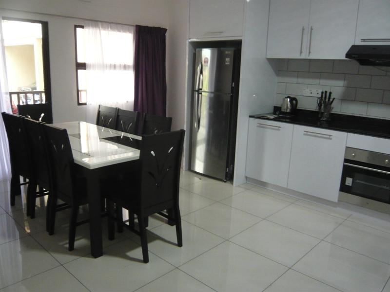 """Lit """"Solis Ortus' 4 pièces luxueux appartement en duplex avec cuisine équipée"""