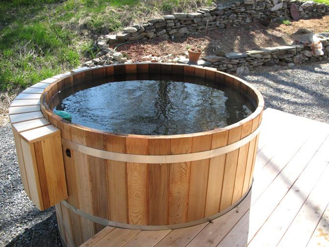 3 season spa tub.