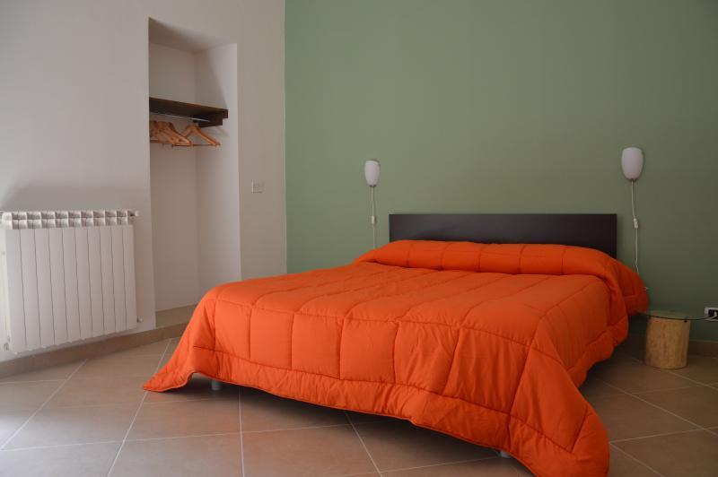 'Ciuri di ficu' appartamento alle porte dell'Etna, holiday rental in Nicolosi
