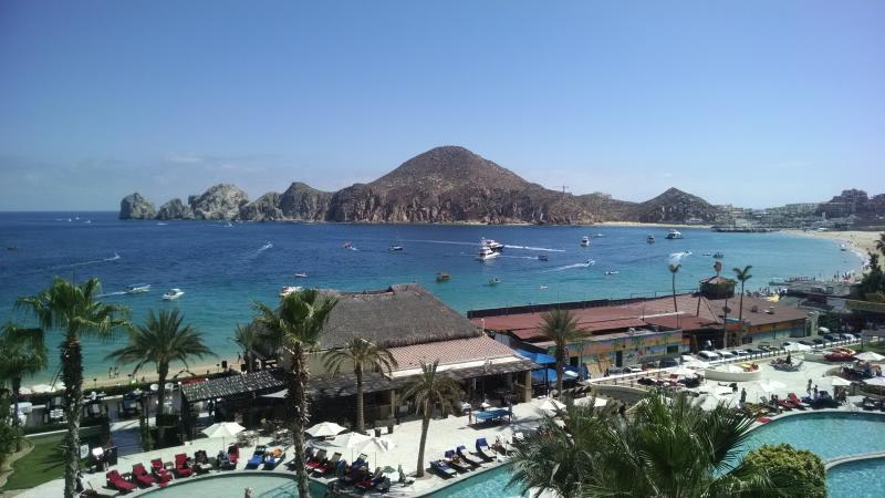 Vista dalla camera...Bella spiaggia Medano direttamente davanti al resort!