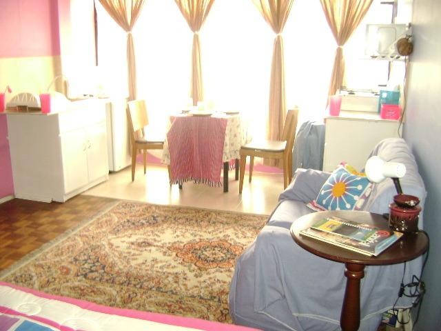 Cozy I Love Apartment with: living room, dinning room, kitchen, bedroom, King size bed, closet. Access at home