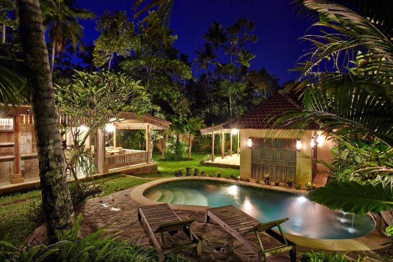 By night the Villa creates a magical effect under the clear blue skies of Ubud
