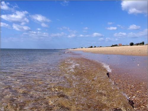 La plage d'à coté...j'en viens...un vrai bonheur tôt le matin et en fin d'après midi..!