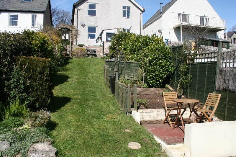 Garden and rear of cottage