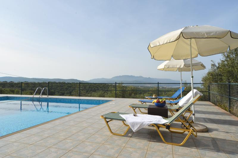 Piscine terrasse Piscine avec vue fabuleuse sur la mer