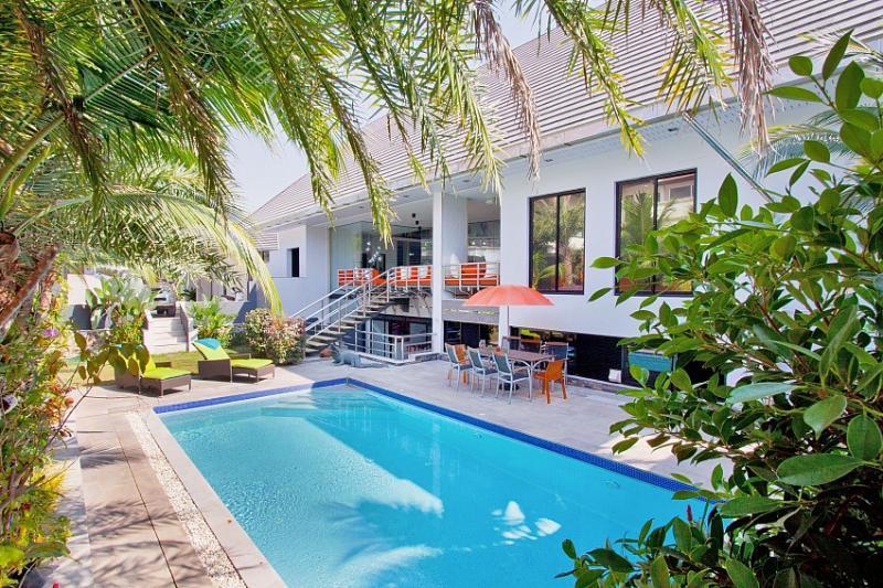 Royale Grand Villa - 4 Bedroom Villa in Pattaya, holiday rental in Pattaya