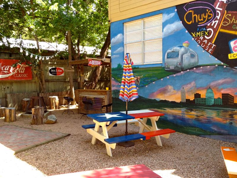 Notre peinture murale à l'arrière sur le thème Austin peint par un artiste Austin locale