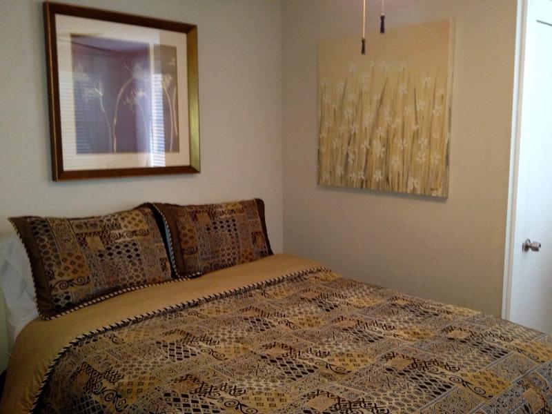 cama queen no 2º quarto andar de baixo