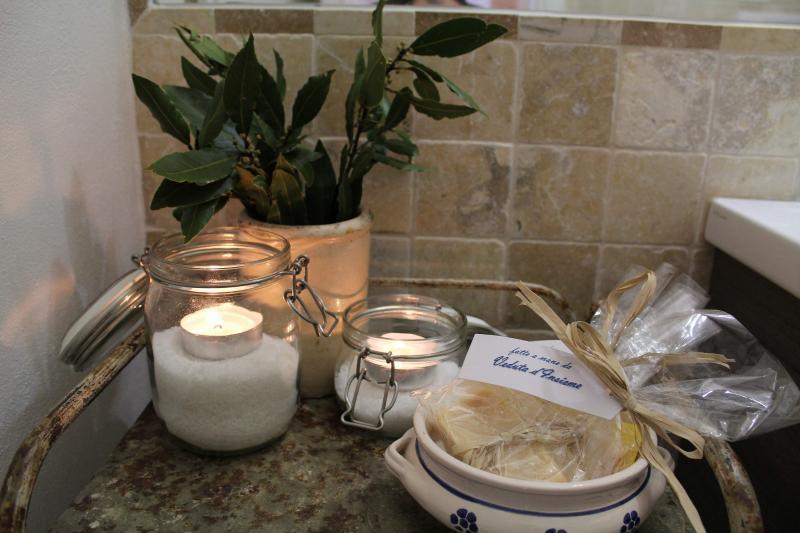 El estilo de Puglia no puede faltar en el baño !!!