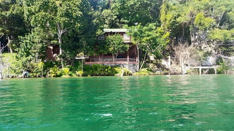 villa del bosque , san jose peten, holiday rental in Flores
