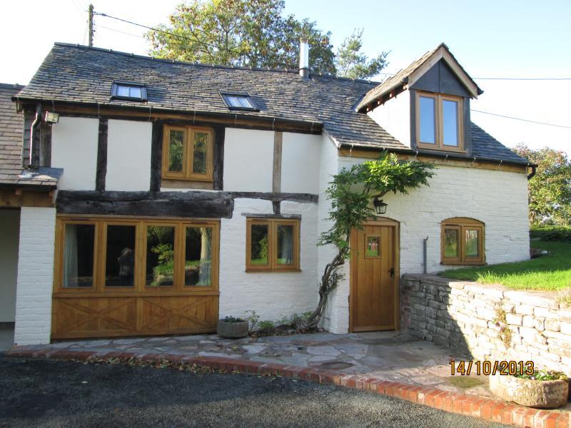 Old Mill Cottage, Vennington, holiday rental in Shrewsbury