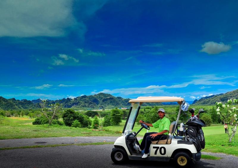 15 minutos en coche a un galardonado campo de golf
