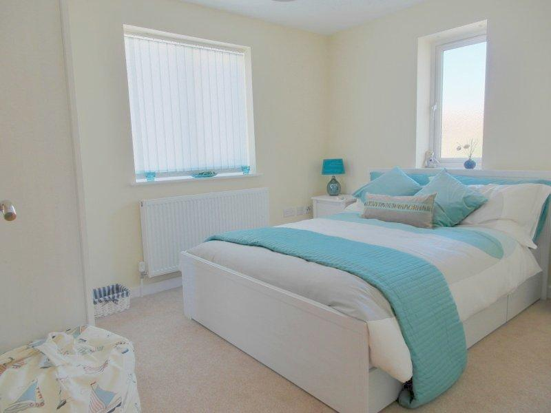 Sea Breeze  2 Bed Holiday Home in Central Whitstable, vacation rental in Whitstable