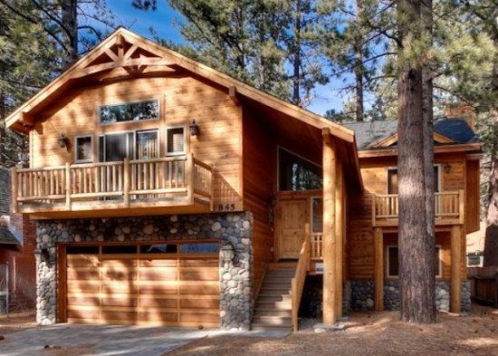 V50-Beautiful, new Tahoe home just a block to the Lake with a private hot tub, vacation rental in Markleeville
