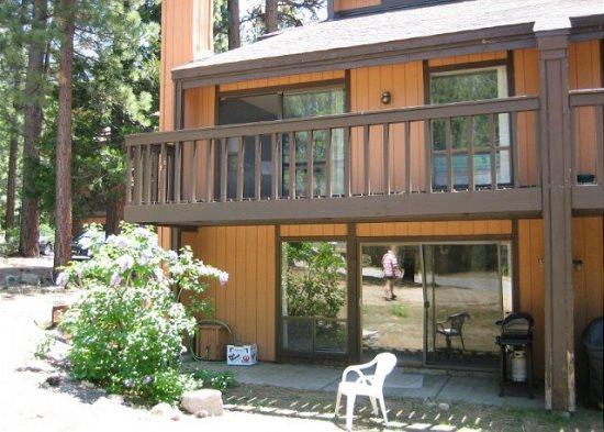 V51-Lovely condo near the base of Heavenly! Summer hiking, winter skiing/boardin, vacation rental in South Lake Tahoe