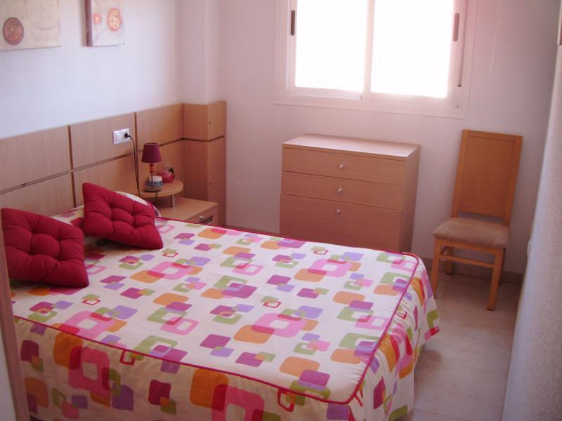 Apartamento de 2 dormitorios en Oropesa / Oropesa, holiday rental in Oropesa Del Mar