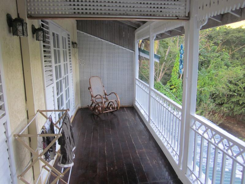 Balcón arriba