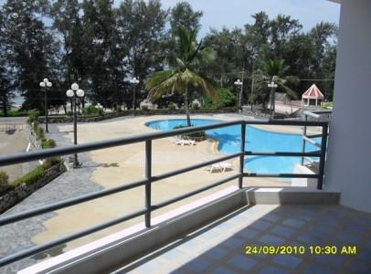 Studio Room 1 bed, 1 bath living and kitchen counter and big balcony area to get the sea view.