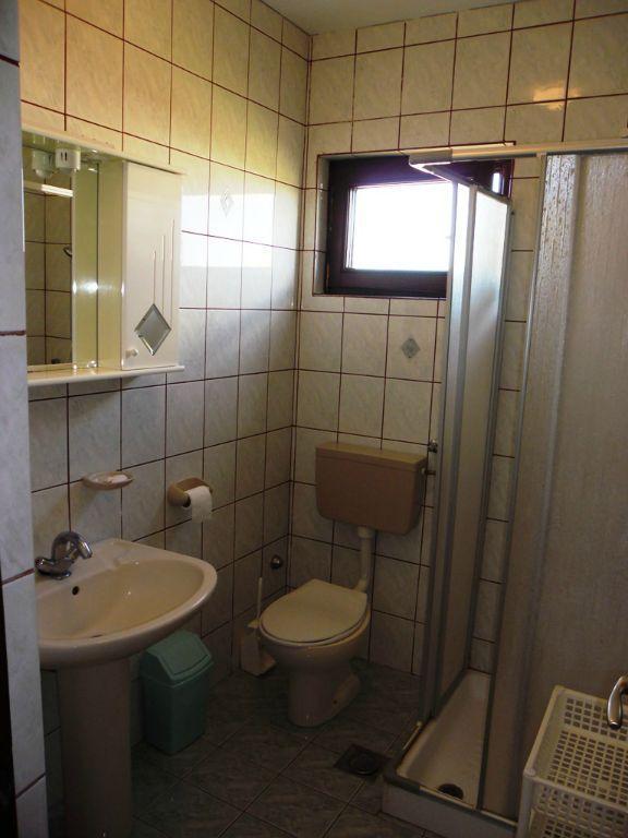 A1 (2 + 2): toilettes