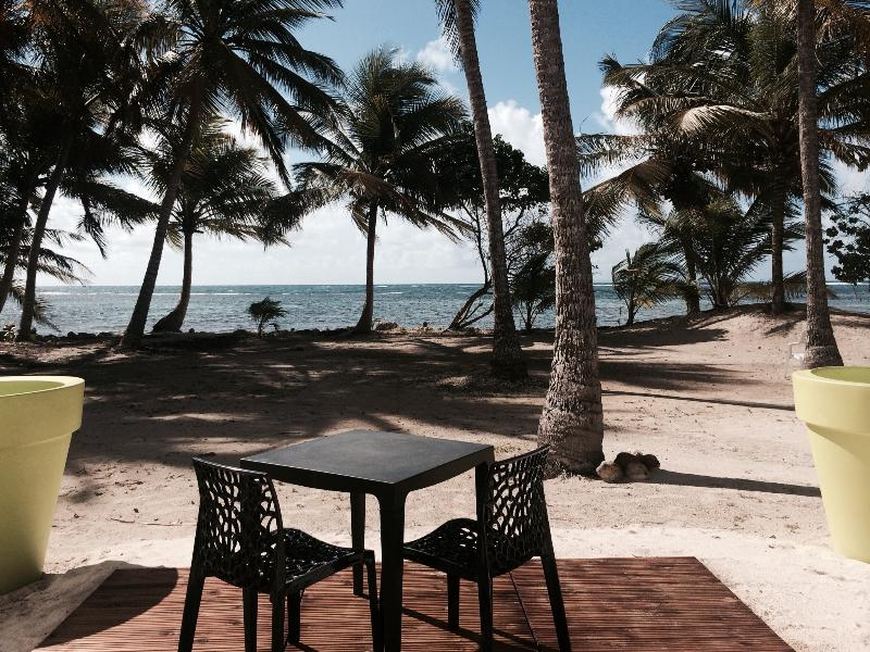 LOFT Be7 Be On The Beach-Wave, holiday rental in Sainte-Anne