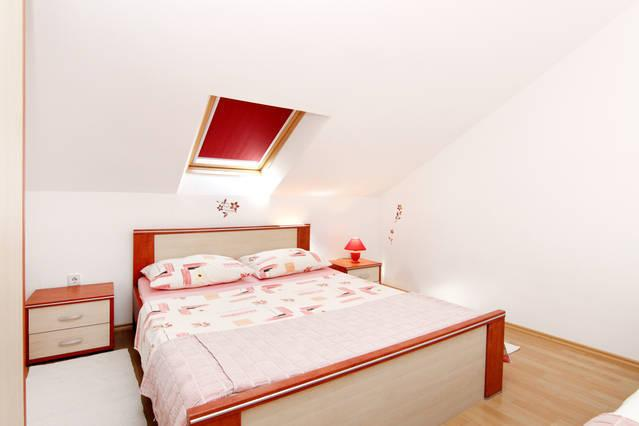 Apartments Marusic B3, vacation rental in Vinisce