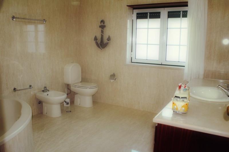 toilet 2 shower