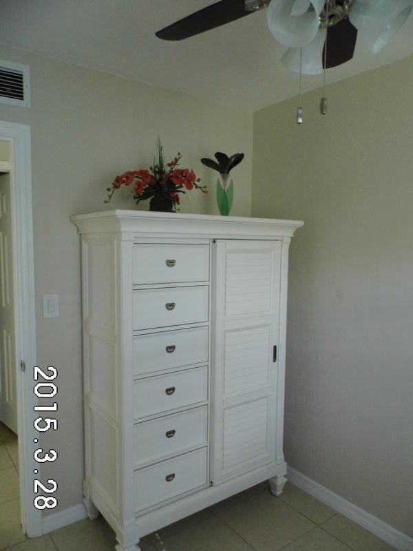 Dresser in single bedroom