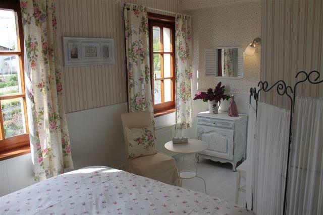 Au fil des saisons sur la Wiels Cottage Printanier, vacation rental in Bigonville