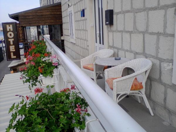 apartments Andela, vacation rental in Kastel Novi
