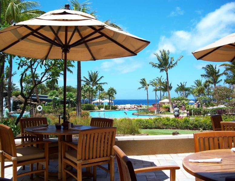 open feel.... your first impression when you walk into this resort... view of the pool and the ocean