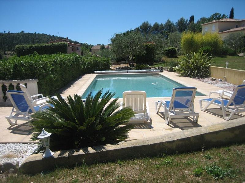 Votre havre de paix avec piscine, alquiler vacacional en Le Tignet