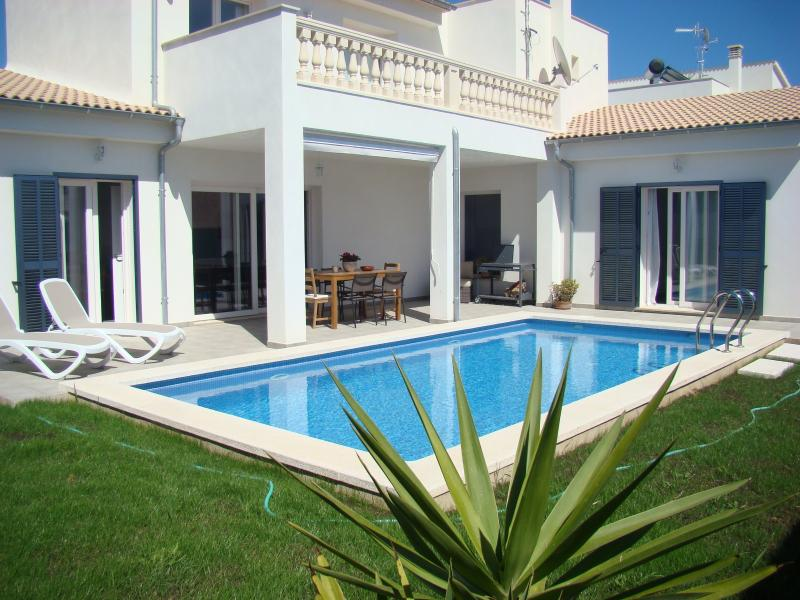 Casa Aina en Cala Bona, holiday rental in Majorca