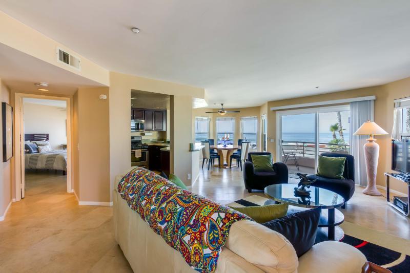 Oceanfront Condo, vacation rental in Oceanside