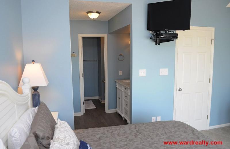 2nd Floor Oceanfront King Bedroom III