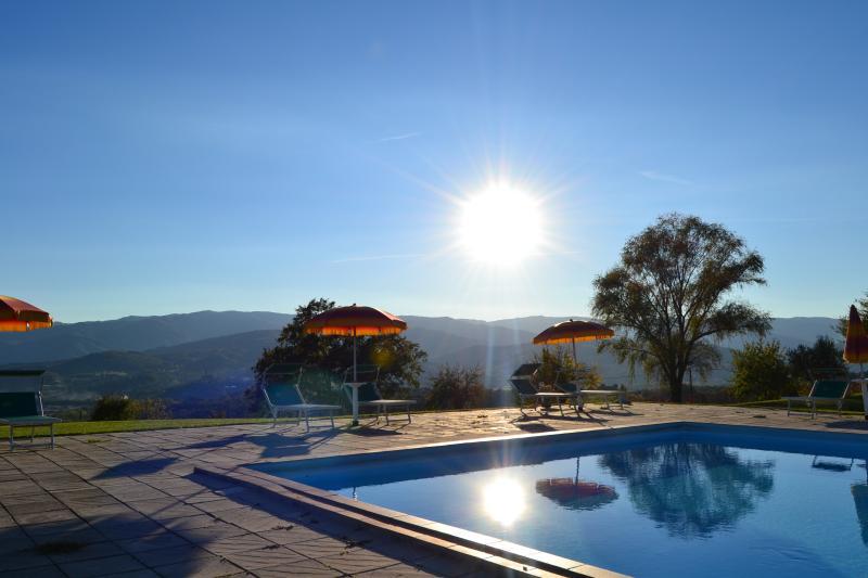 Fattoria di Belvedere - Pool zu den Sonnenaufgang