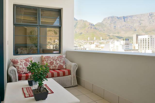Amazing views of the city & Table Mountain from the balcony