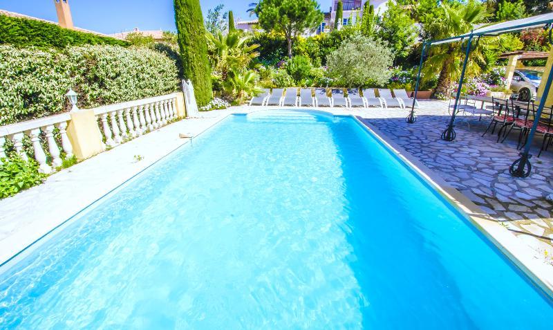 Grande villa Golfe de Saint Tropez, holiday rental in Sainte-Maxime